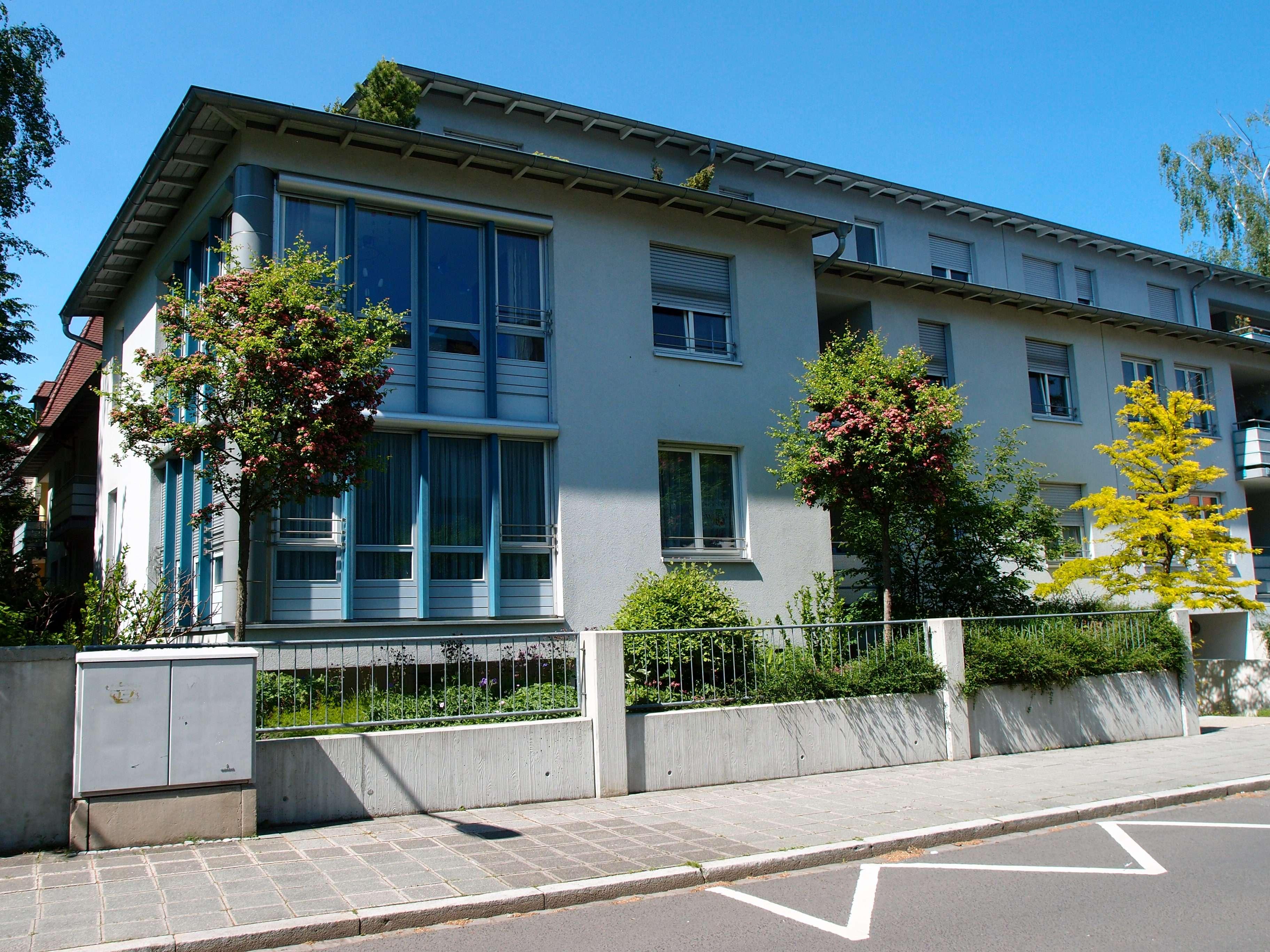Ruhig gelegene 2-Zimmer-Erdgeschosswohnung  mit Terrasse in gepflegtem Anwesen