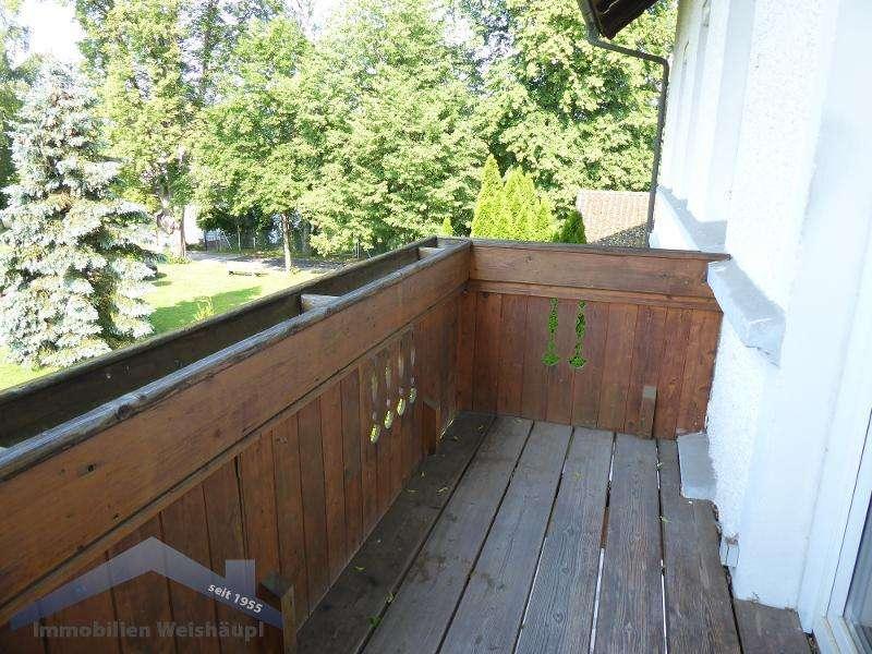 Freundliche 3 Zimmer Whg. mit EBK, Balkon und Gartennutzung im Mehrfamilienhaus in Schalding l.d....