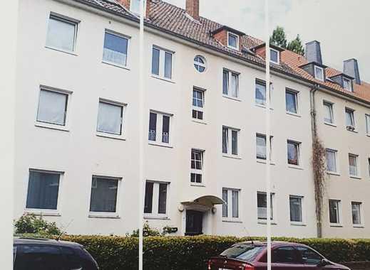 Stilvolle, vollständig renovierte 2-Zimmer-DG-Wohnung mit Einbauküche in Hannover