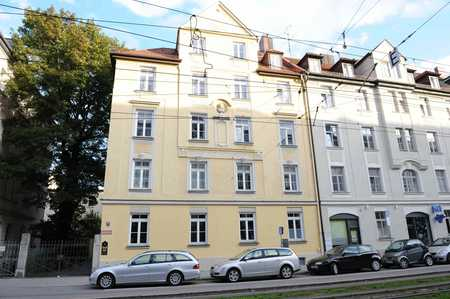Bestlage Haidhausen! Möblierte Dachgeschosswohnung  in repräsentativem Altbau! in Haidhausen (München)