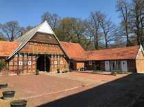 Denkmalgeschützter Artlandhof im Außenbereich der