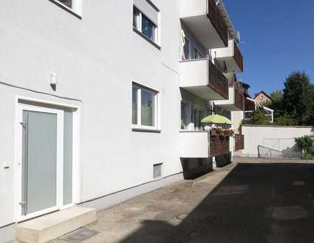 Bitte nur Mailanfragen: helle,. modernisierte 2 Zimmer-Whg. i. d. Donaustaufer Str. (Nahe Milchwerk) in Reinhausen (Regensburg)