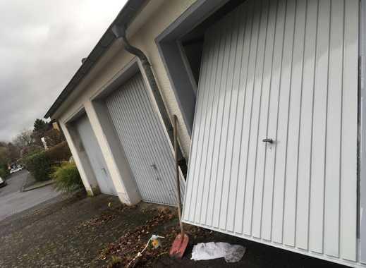 diskret gelegene Garage mit Stellplatz