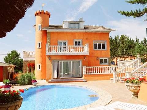 Sommerküche Garten : Wunderschöne villa mit gästehaus pool tennisplatz sommerküche