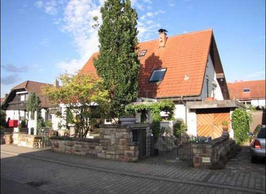 Maxdorf | gemütliche und gepflegte 2 ZKB-Wohnung mit sep. Eingang