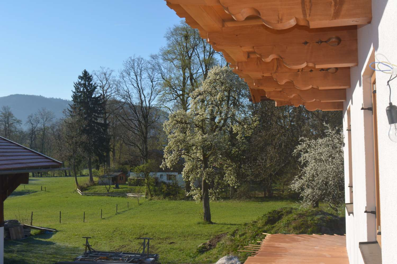 Gmund  - beste Dorflage - Blick ins Grüne  2,5 Zimmer  | IMMOBILIEN BEILHACK in Gmund am Tegernsee