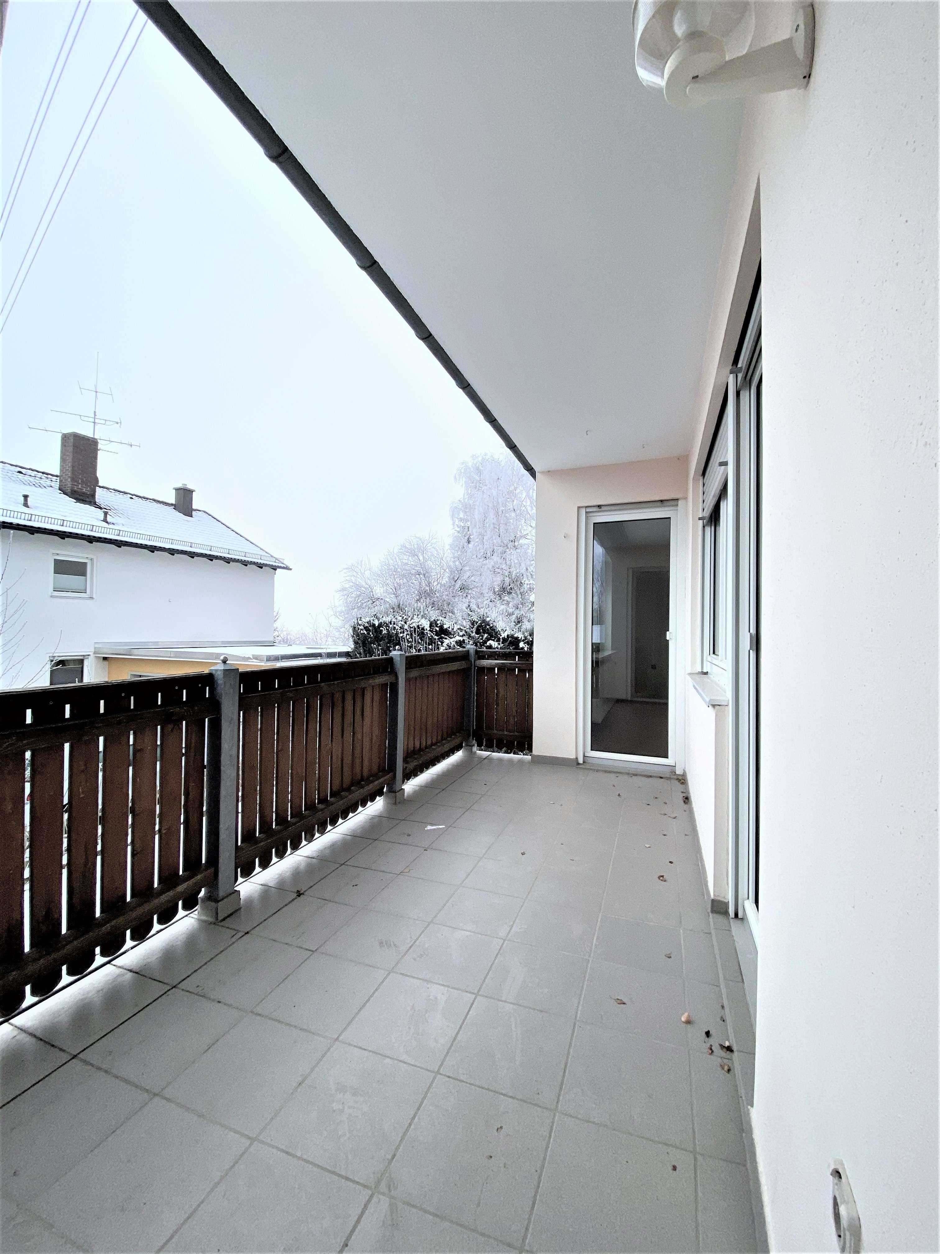 Großzügige 4 Zimmerwohnung mit Balkon! in