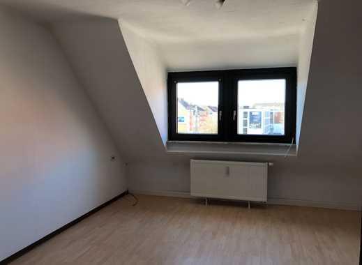 Freundliche 4-Zimmer-DG-Wohnung mit Einbauküche in Saarbrücken