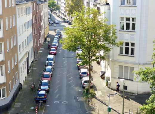 Exklusive, neuwertige 4-Zimmer-Wohnung mit 2 Loggien, Einbauküche, Ankleide in Düsseldorf