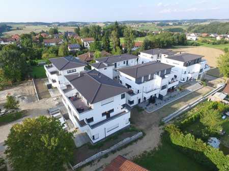 Wunderschöne, excl. 3 Zimmer Wohnung mit Garten in Simbach