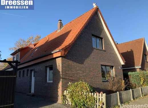 Wesselburen: Modernes Einfamilienhaus mit großem Garten in ruhiger Lage auf ca. 1.022 m² Eigenland