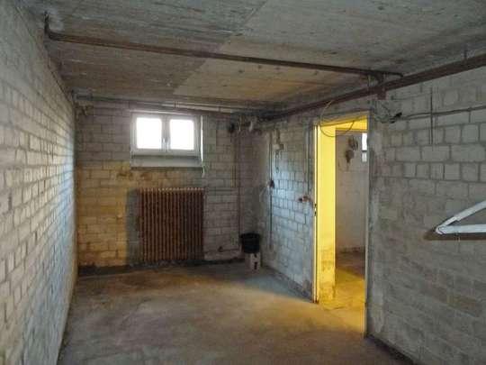 Sanierungsbedürftiges Reihenhaus in ruhiger Lage - Bild 23