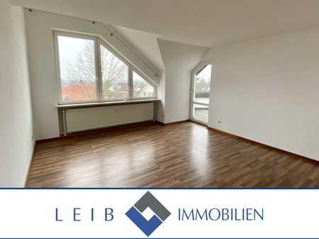 Renovierte 3-Zimmer Dachgeschosswohnung mit Balkon und Garage in Weidach in Weitramsdorf