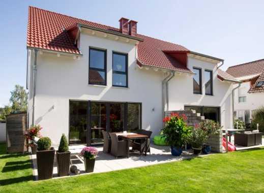 Neubau von einem attraktiven und modernen Reihenendhaus mit 140 m² Wfl. inkl. 350 m² Grundstück