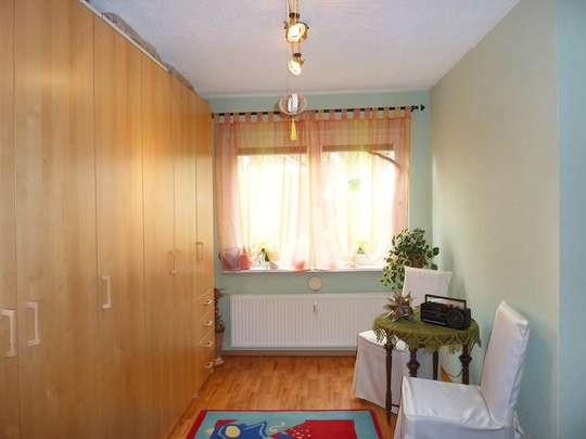 Moderne 3-Zim.-Wohnung mit PKW-Stellplatz und Garten - Bild 14