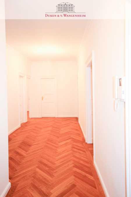 Großzügige, repräsentative, elegante 3,5 Zimmer-Wohnung in unmittelbarer Nähe zur Münchner Freiheit in Schwabing (München)