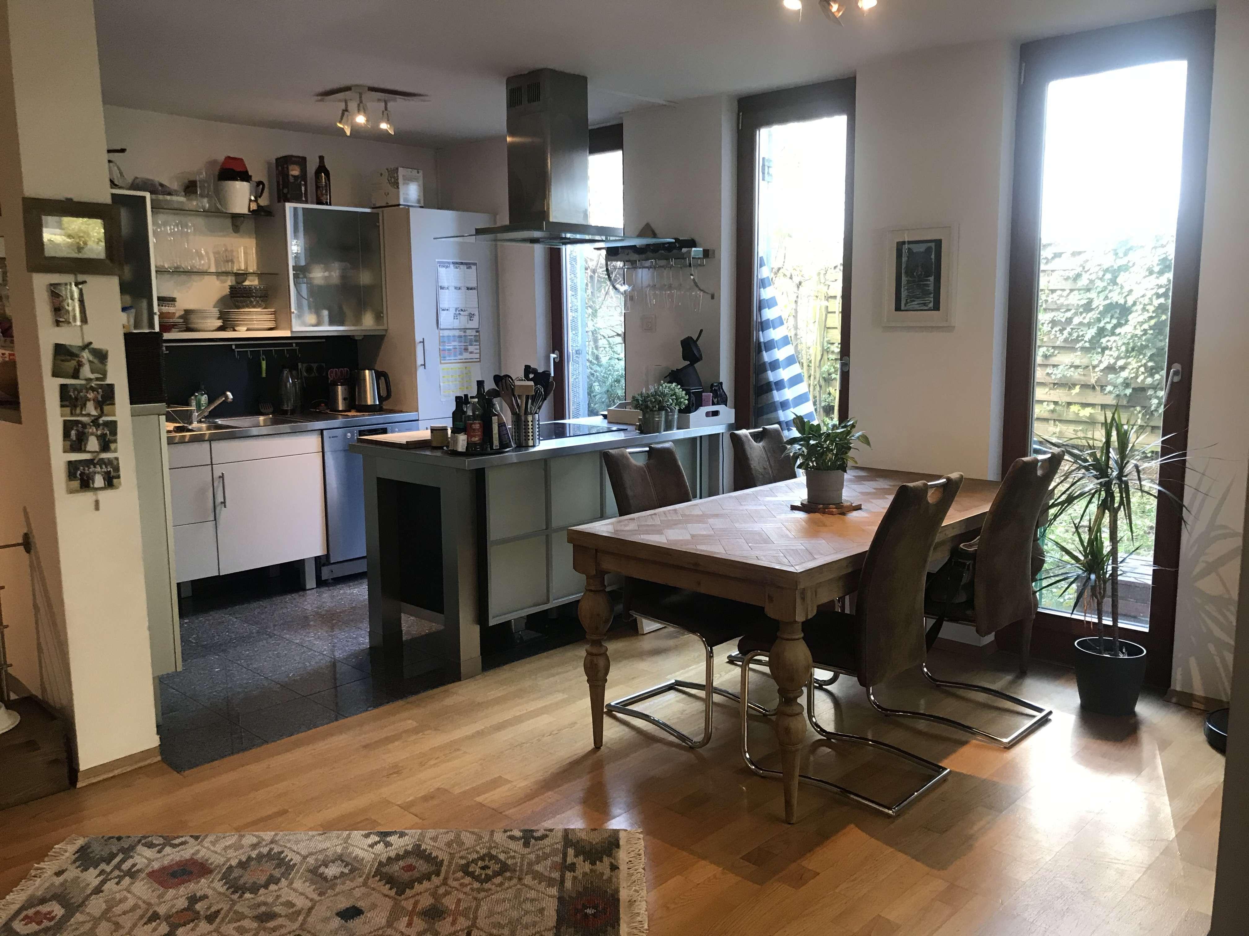 Exklusive, geräumige 2-Zimmer-Wohnung mit Garten, Hobbykeller und Einbauküche in Muenchen in Moosach