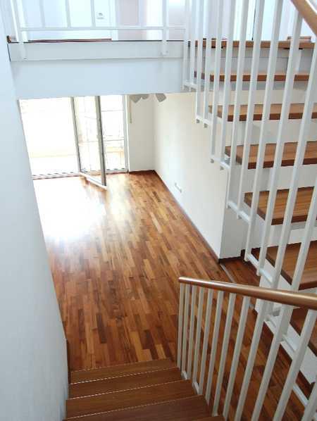 Neuwertige 4-Zimmer-Maissonette-Wohnung mit Wintergarten/Balkon in Grafing bei München