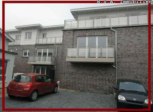 Erstbezug! 3 Zi. Erdgeschoss-Wohnung mit kleiner Terrasse, offener Küche, Fußbodenheizung uvm!