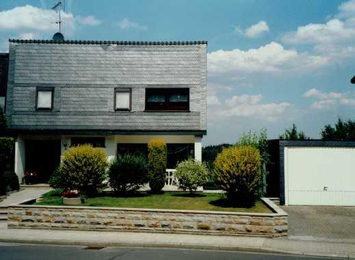 Schönes, geräumiges Haus mit fünf Zimmern in Ennepe-Ruhr-Kreis, Gevelsberg