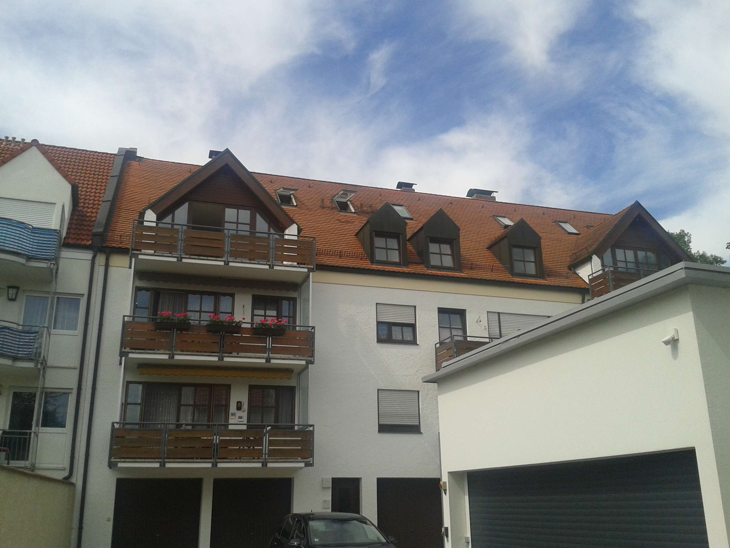 Neuwertige 4-Zimmer Dachgeschosswohnung mit Balkon in Freising in Freising