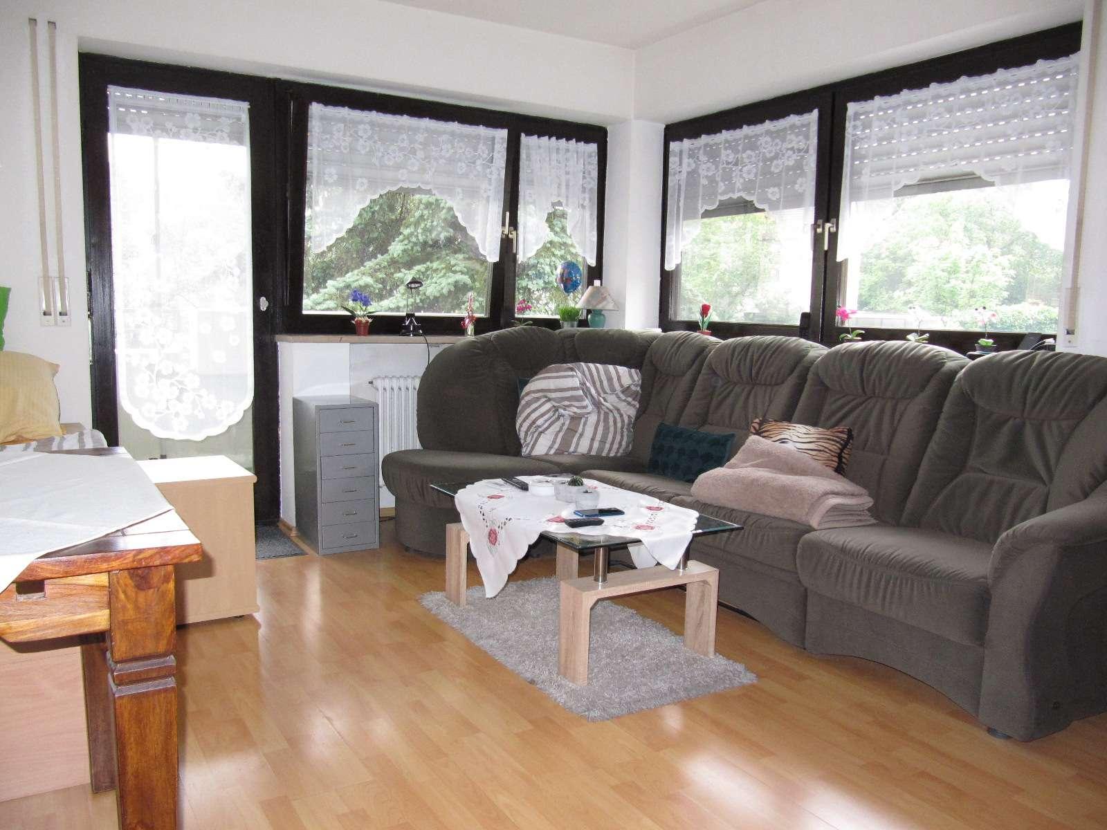 Erlenstegen ! 1-  ZW ca. 41 qm, Balkon, Einbauküche, Laminat, Hochparterre in