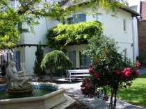 Villa mit Traumgarten und mit
