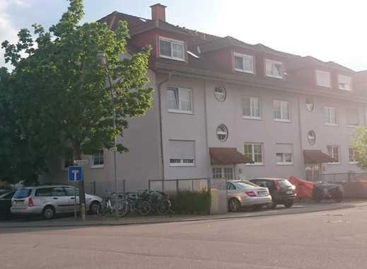Zweizimmerwohnung 65 qm Küche, Bad und Balkon liegt auf Südseite