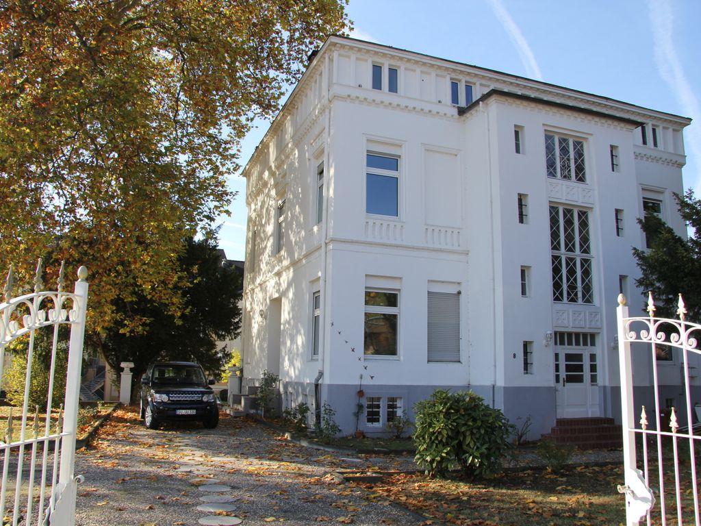 Repräsentative Villa am Rhein