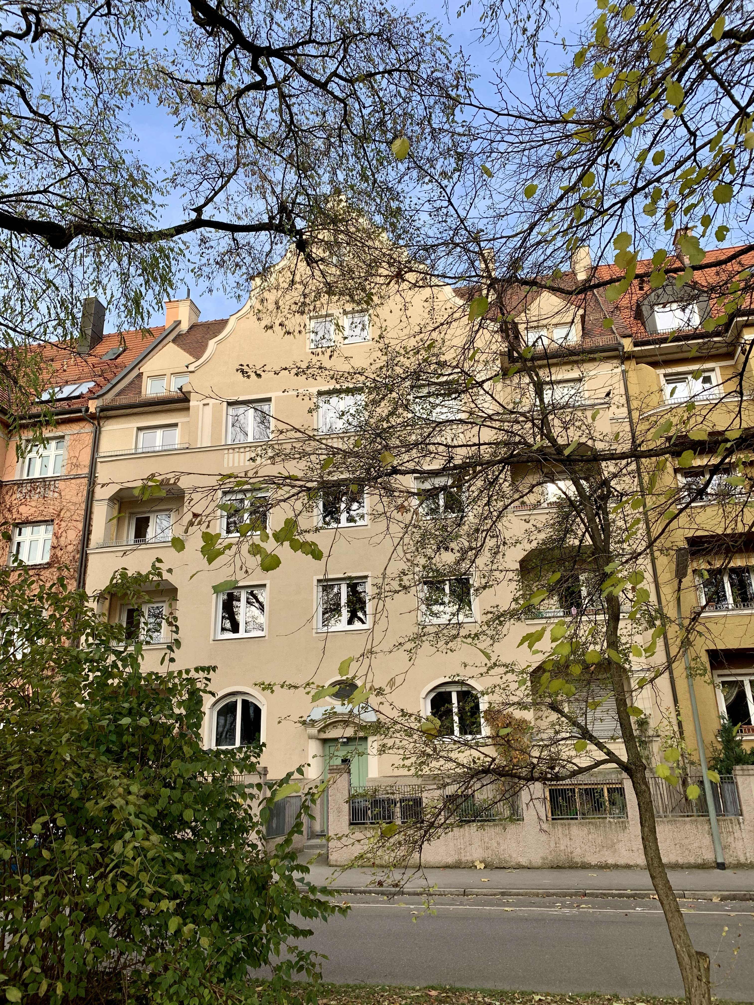 Erstbezug nach Sanierung mit Balkon: stilvolle 2-Zimmer-Wohnung in Augsburg in Augsburg-Innenstadt