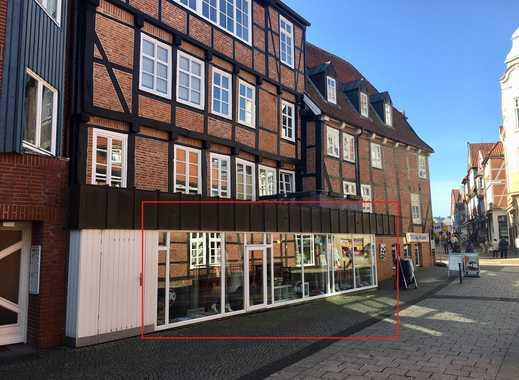 Gewerbefläche mit langer Schaufensterfront in Stader Innenstadt zu vermieten !