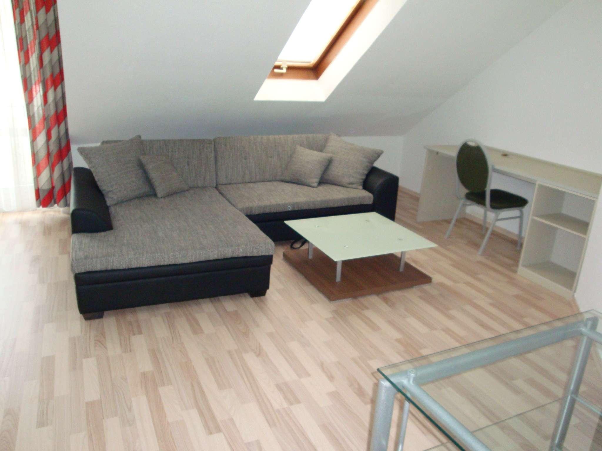 Ruhige Zentrumsnähe, möblierte 1 1/2-Zi.-Wohnung mit Balkon, Kfz-Stellplatz, Wfl. ca. 32 m² in City (Bayreuth)