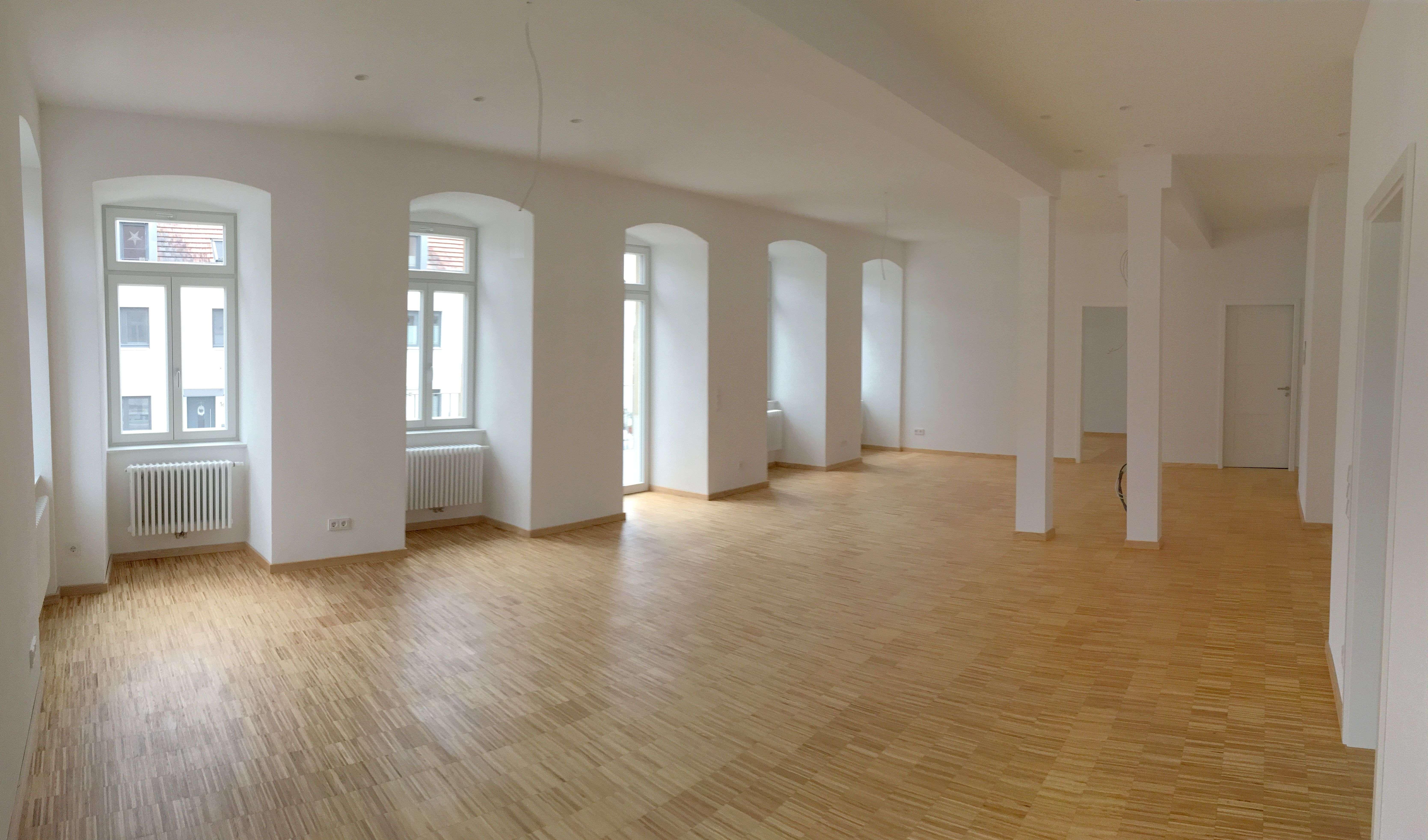 Wohnen im Schloss- aparte, großzügige 3- Zi. Whg Würzburg-Rottenbauer, Balkon, Erstbezug in