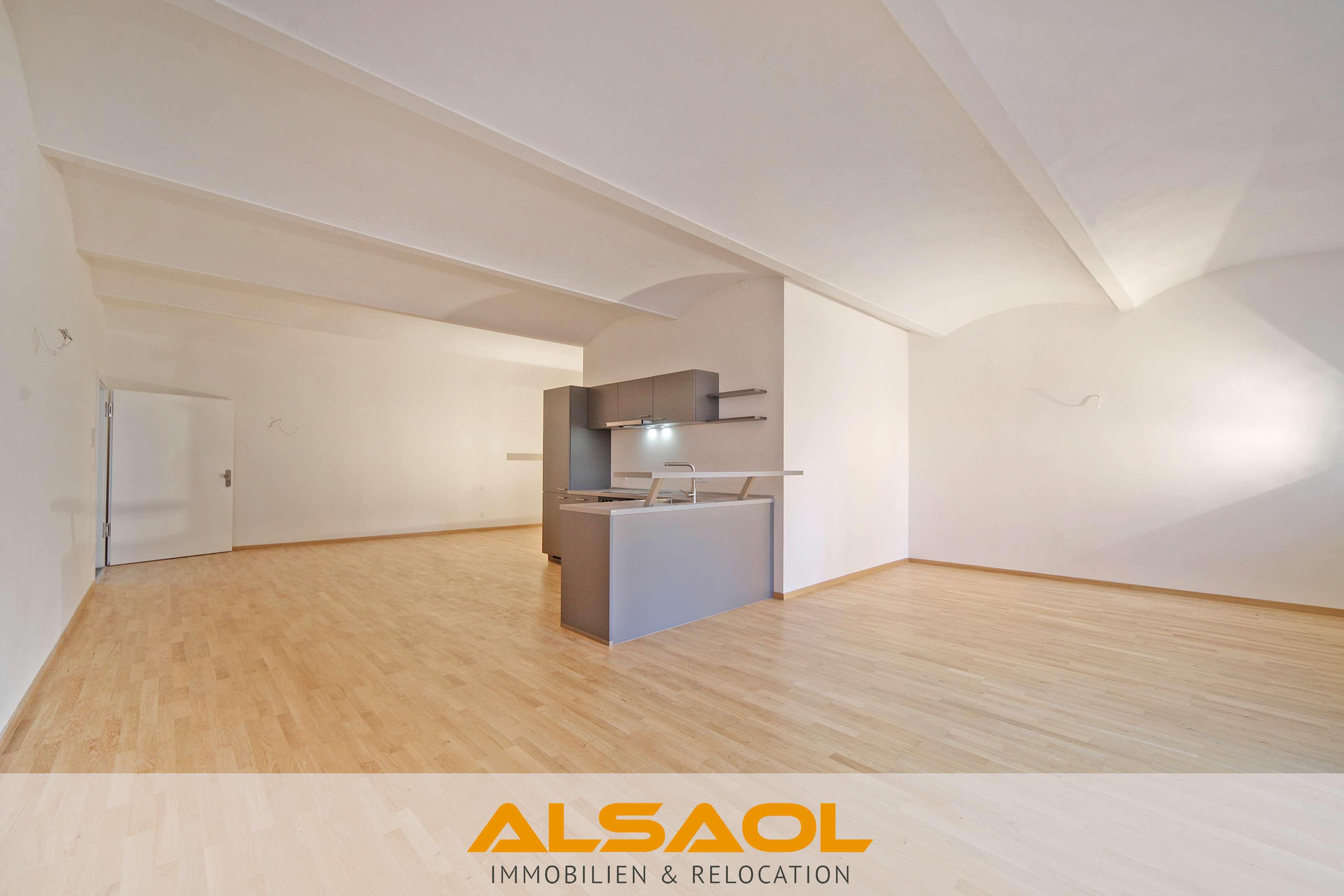 ALSAOL Immobilien: Erstbezug nach Sanierung - charmantes Altbauloft mit Terrasse in