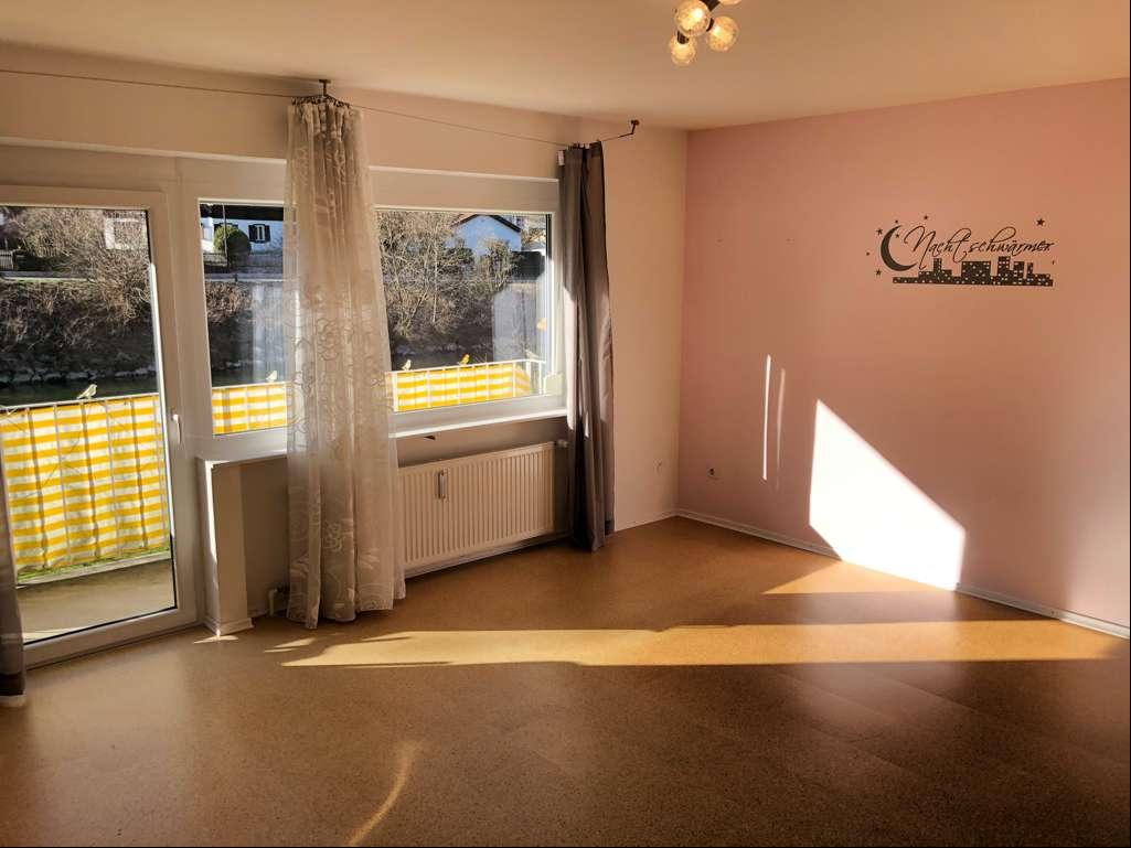 Wolfratshausen: 1-Zimmer Hochparterre-Wohnung mit Balkon in