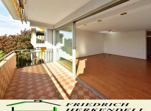 1. Etage + Aufzug + 8m² Süd-Balkon + Sonnenmarkise + neues Bad + TG-Stellplatz