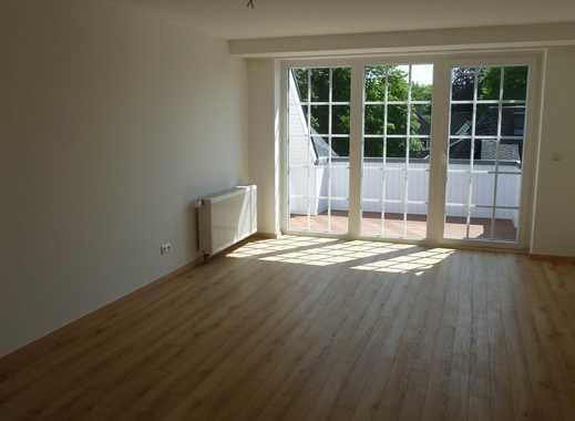 Helle 3,5-Zimmer-Maisonette-Wohnung mit Balkon und Einbauküche