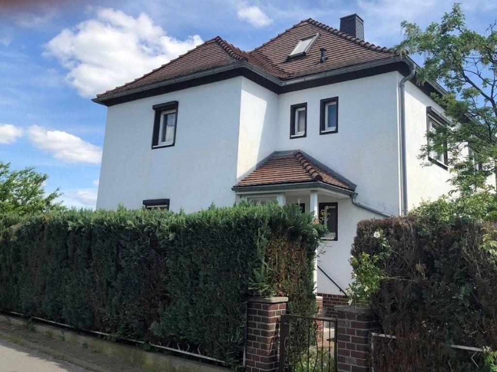 einfamilienhaus mit vielen m glichkeiten in wermsdorf. Black Bedroom Furniture Sets. Home Design Ideas