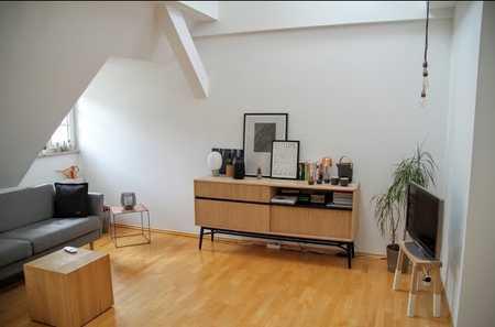 Nachmieter für wunderschöne helle Dachgeschosswohnung in zentraler Lage gesucht in Maxvorstadt (München)