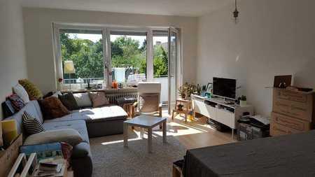 2-Zimmer-Wohnung mit Einbauküche in Moosach, München in Moosach