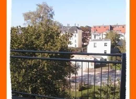 Große preiswerte 3,5 Zi. Dachgeschoß-Maisonettenwohnung mit BALKON