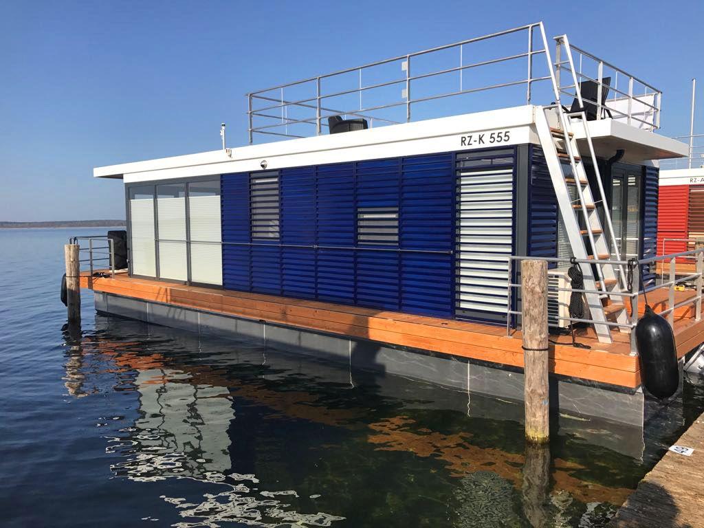 hausboot komplett eingerichtet in einzigartiger lage fleesensee mecklenburgische seenplatte. Black Bedroom Furniture Sets. Home Design Ideas