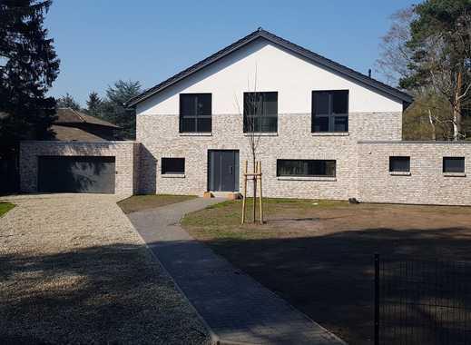 Idyllisch gelegene, moderne Villa mit 7 Zimmern + 3 Bädern in Hannover (Kreis), Wedemark