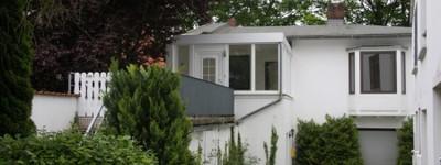 Ruhige Lage in Kurparknähe. Tolle 2 ZKB mit eigenem Garten im Erdgeschoss eines 2 Familienhauses