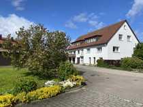 Großes Anwesen mit 2 Häusern