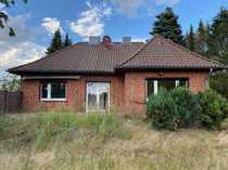 Großes Grundstück mit renovierungsbedürftigen Einfamilienhaus