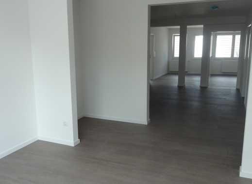 Erstbezug nach Sanierung! Hochwertig ausgestattete 3-Z.-Wohnung im Zentrum v. Rheindahlen