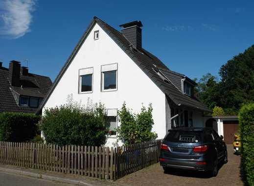 Freistehendes Einfamilienhaus mit großem Garten in Ratingen-Lintorf!