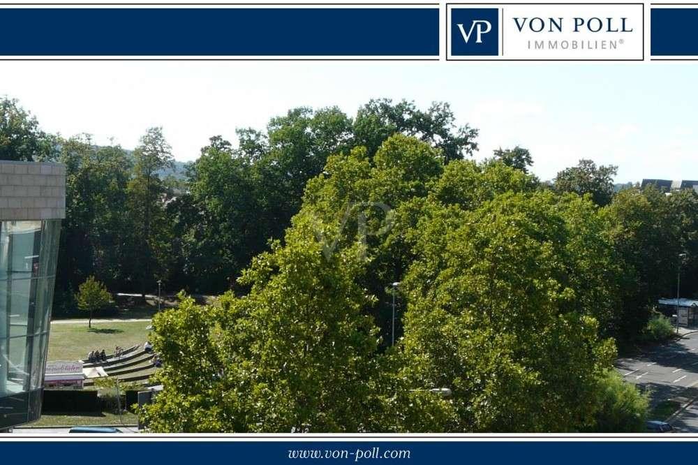 Stadtmitte: Maisonette-Wohnung mit Blick zum Stadtpark in