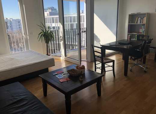 Stilvolle, geräumige 1-Zimmer-Terrassenwohnung mit Balkon und EBK für ein Jahr, München